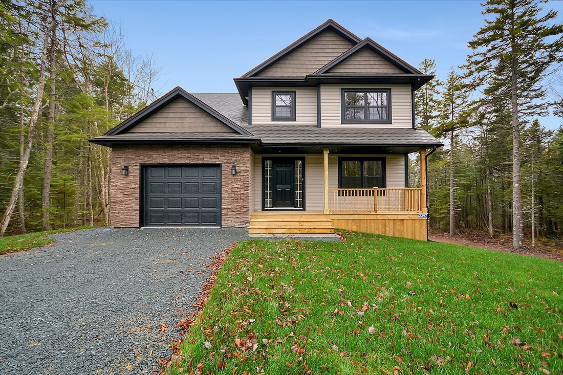 Two Storey Home Style Lion's Head Real Estate